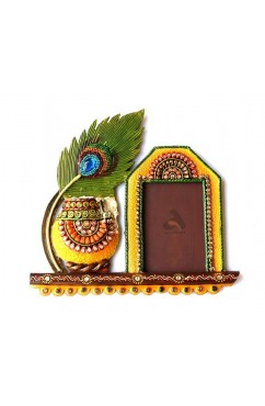 Photo Frame Makhan Matki design